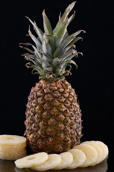 ananas-pomogaet-poxudet