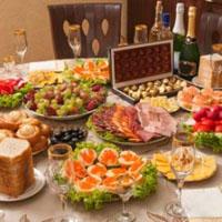 pravila-pishhevogo-povedeniya-za-novogodnim-stolom